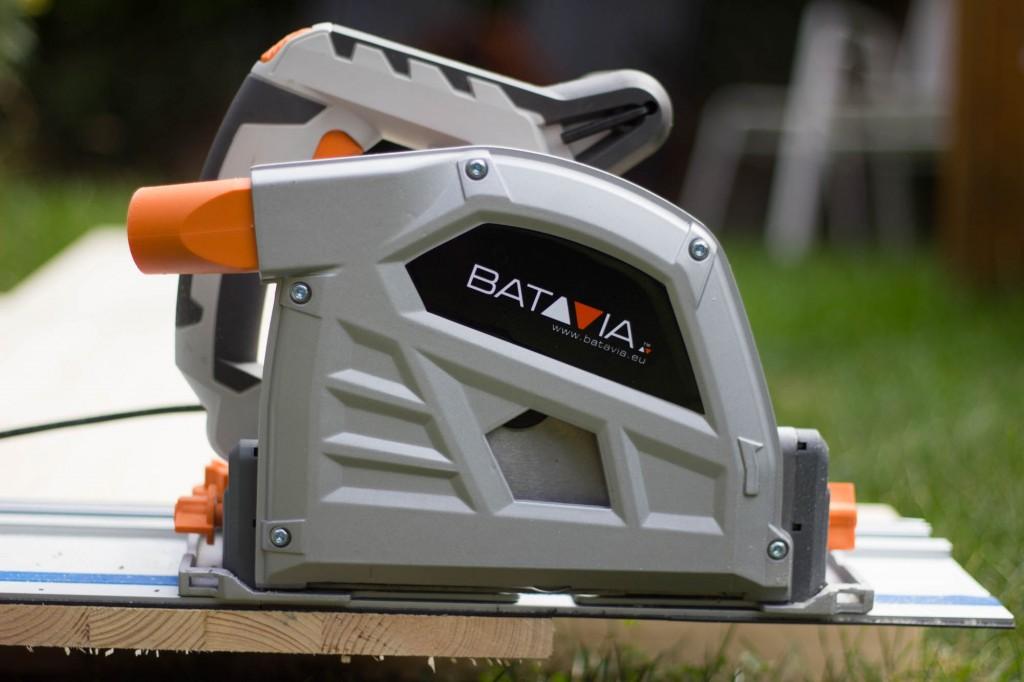 Seitenansicht der Batavia Tauchsäge T-Raxx 1400